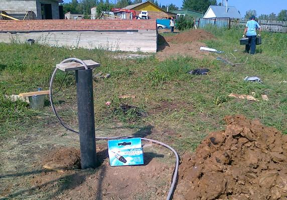 Для того чтобы отремонтировать насос, его необходимо достать из скважины