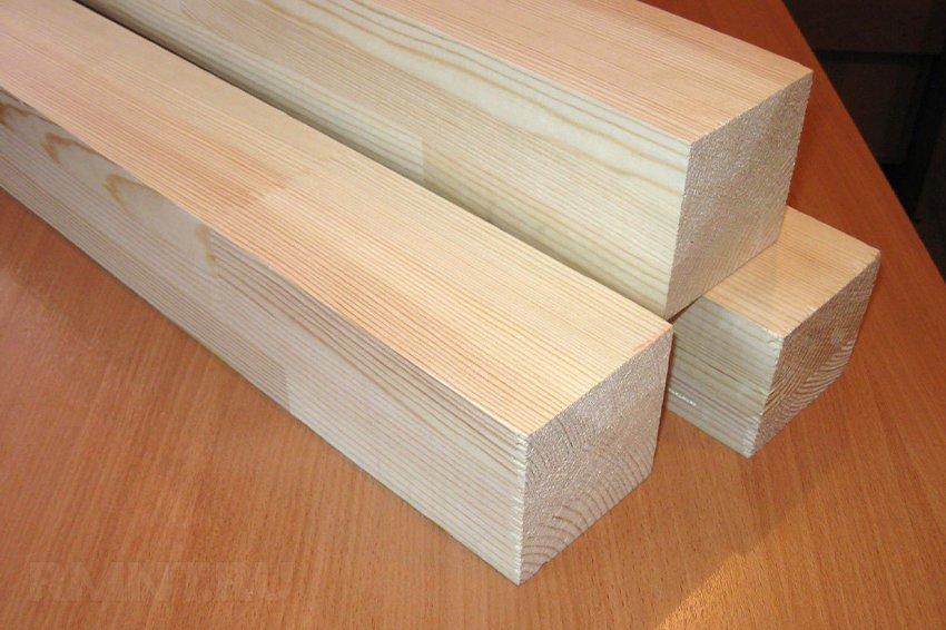 Деревянный брус квадратного сечения