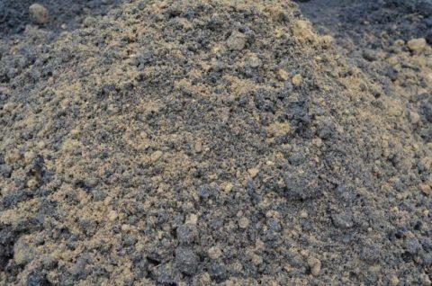 Данная смесь является универсальным средством, насыщенная питательными свойствами и предназначена для выращивания рассады.