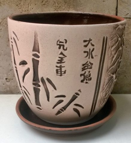 Горшок из обожженной глины