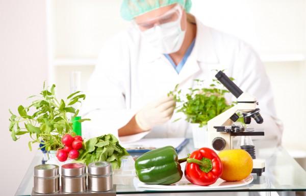 Пестициды очень опасны для человеческого организма.